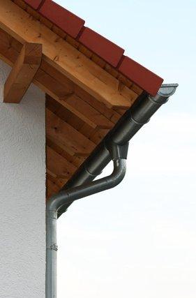 Dachklempnerarbeiten Regenrinne Dachrinne