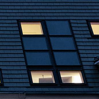 VELUX Dachflächenfenster mit Solarelementen