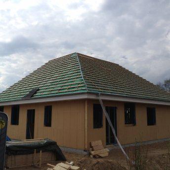Dach vor dem Eindecken