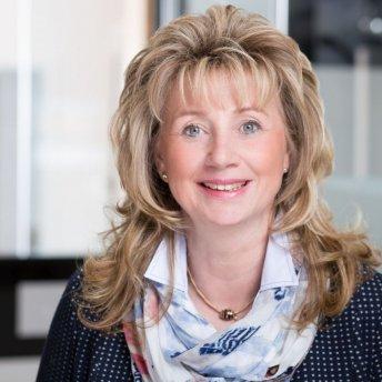 Betina Denzinger, Geschäftsführung