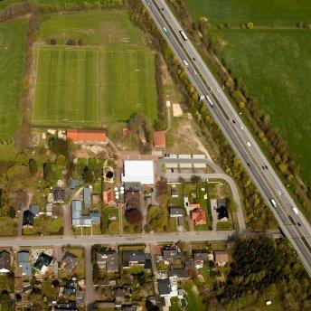 Gemeindezentrum mit Kita und Sportanlagen 2015 (copyright Peter Vogel)