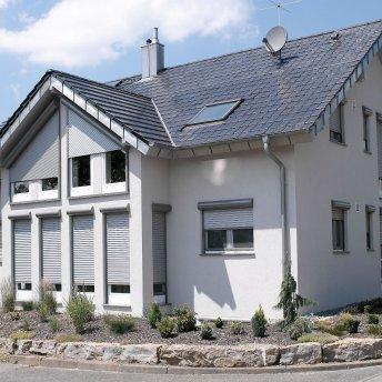 Einfamilienhaus-Rollladen rund