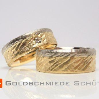15. Mein Lieblingstrauring ELCHOHNEELCH aus der Goldschmiede Schuett 585 Gold den Brillant habe ich mitgebracht