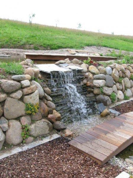 Gartenanlage Wasserfall